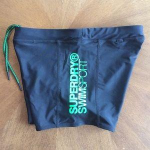 425a54200d4c0 Superdry Swim - Superdry Sport Swim Midi Shorts - Black / Green